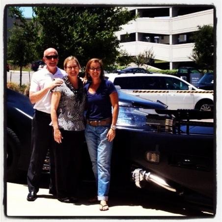 Kent Burress, Jan Gunter and Ann Jerome with Batmobile